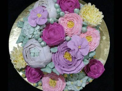 İlk bakışta gül gibi görünse de o bir pasta :)