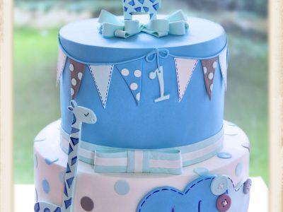 Zürafalı erkek bebek pastası